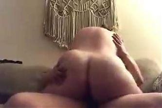 YOU(N)G PAWG RIDING COCK