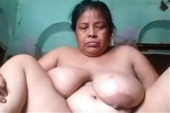 Mature Moti Aunty Fingering Pussy and Showing Nude Body