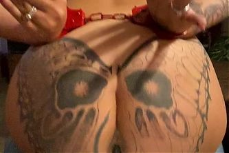 Pawg milf bouncing on 10 inch bbc